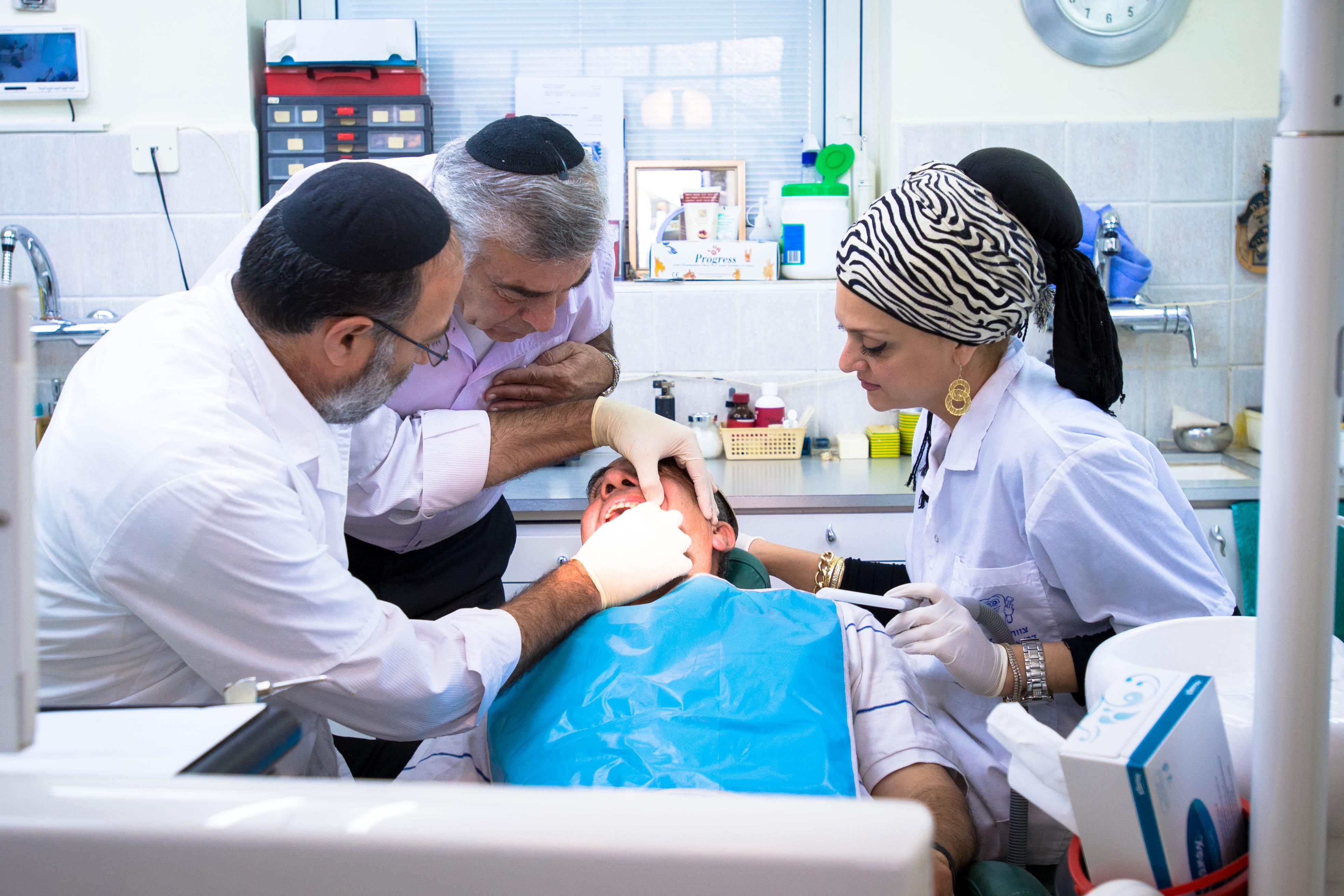 רופאי שיניים מומחים